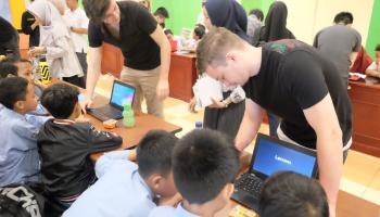 Belajar Membuat Robot dalam Workshop Robotik 2020